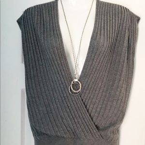 Jones New York v neck sweater
